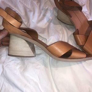✨Dolce Vita✨ ankle strap tan heels